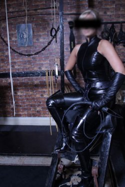 Mistress Michelle from Greater London - Mistress
