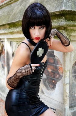 Lady Bellatrix from Paris - Mistress