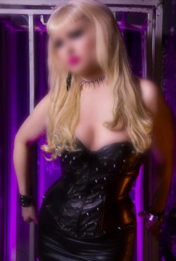 Blonde Mistress Pandora from Glasgow City - Mistress
