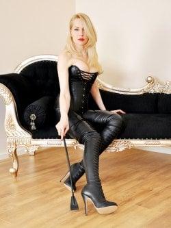 Mistress Eleise de Lacy from Paris - Mistress