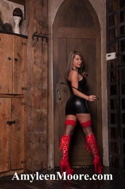 Goddess Amylenn Moore from Toronto - Mistress