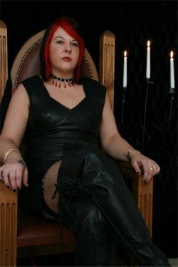 Mistress Lucinda from Telford and Wrekin - Mistress