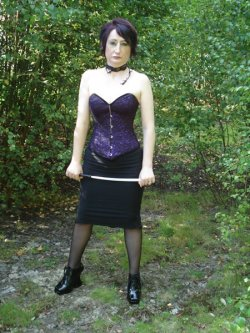 Mistress Raven from Hastings - Mistress