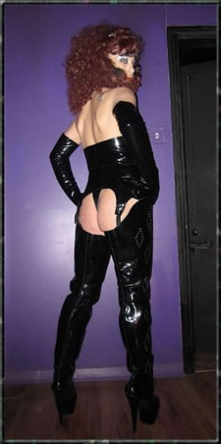 Mistress Call Me Elizabeth Payne from Wirral - Mistress
