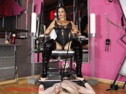 Ezada Sinn from Dusseldorf - Mistress