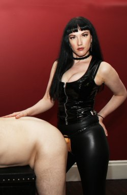 Goddess Cleo from City Of London - Mistress