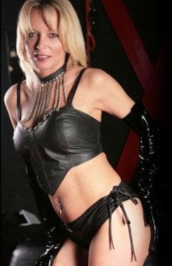 Mistress Suzzie from Southampton - Mistress