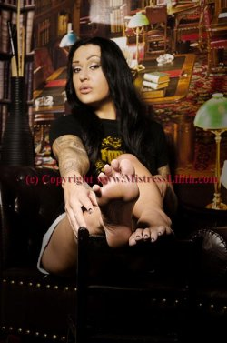 Foot Fetish Glasgow Mistress from Glasgow City - Mistress